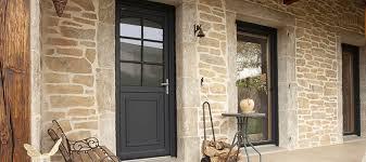 Une porte pleineou une porte vitrée, nos conseils ?